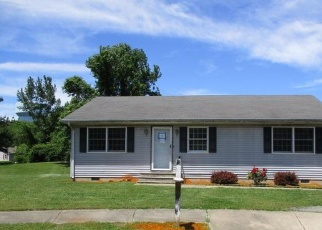 Foreclosed Home in Dover 19901 CLYMER CIR - Property ID: 4403256260