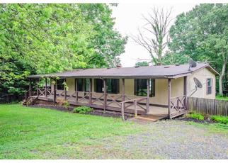 Foreclosed Home in Lynchburg 24501 SUBURBAN RD - Property ID: 4403310127