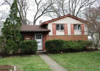 Foreclosed Home in Garden City 48135 DONNELLY ST - Property ID: 4403321523