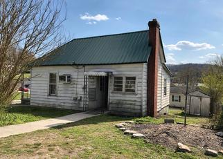 Foreclosed Home in La Follette 37766 E KENTUCKY AVE - Property ID: 4403353942