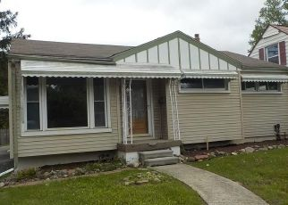 Foreclosed Home in Flint 48507 COMANCHE AVE - Property ID: 4403365313