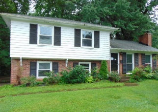 Foreclosed Home in Louisville 40222 LEYTON AVE - Property ID: 4403386334