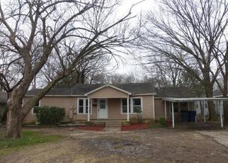 Foreclosed Home in Lancaster 75146 W 6TH ST - Property ID: 4403419631