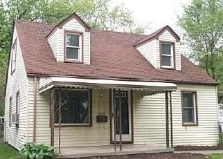 Foreclosed Home in Dearborn Heights 48125 CURRIER ST - Property ID: 4403435845