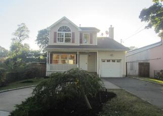 Foreclosed Home in Copiague 11726 VERAZZANO AVE - Property ID: 4403440653