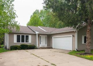 Foreclosed Home in Sandwich 60548 SANDWICH DR - Property ID: 4403475243