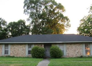 Foreclosed Home in Baton Rouge 70815 N LITTLE JOHN DR - Property ID: 4403540510