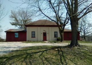 Foreclosed Home in Freeburg 62243 HOLCOMB SCHOOL RD - Property ID: 4403615849