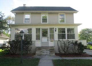 Foreclosed Home in Manteno 60950 S HICKORY ST - Property ID: 4403623280