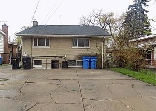 Foreclosed Home in Chicago 60619 E 83RD ST - Property ID: 4403673653