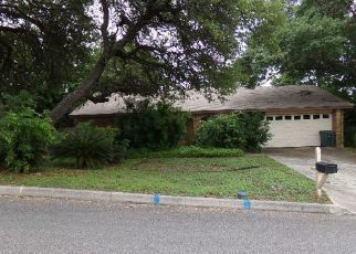 Foreclosed Home in San Antonio 78233 VILLAGE OAK DR - Property ID: 4403885182
