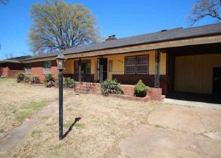 Foreclosed Home in Memphis 38116 MAYHILL DR - Property ID: 4403895714