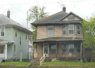 Foreclosed Home in Sioux Falls 57103 E 6TH ST - Property ID: 4403921101