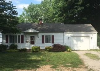 Foreclosed Home in Madison 44057 ABERDEEN RD - Property ID: 4404009132