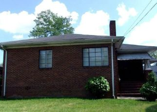 Foreclosed Home in Winston Salem 27105 W 25TH ST - Property ID: 4404025790