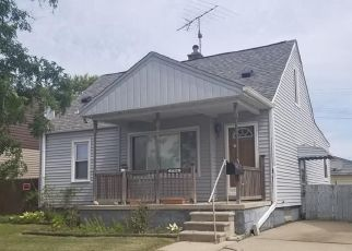 Foreclosed Home in Saint Clair Shores 48081 LARCHMONT ST - Property ID: 4404101558