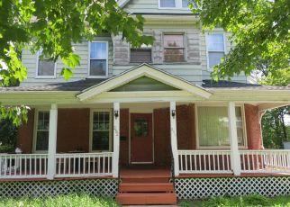 Foreclosed Home in Holyoke 01040 OAK ST - Property ID: 4404124323