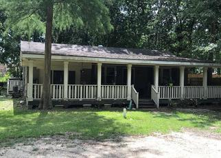 Foreclosed Home in Slidell 70458 BARBARA DR - Property ID: 4404145799