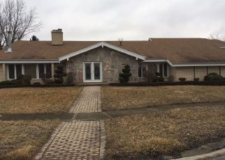 Foreclosed Home in Flossmoor 60422 ROBERTSON LN - Property ID: 4404160234
