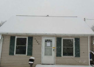Foreclosed Home in Cedar Rapids 52404 M ST SW - Property ID: 4404182586