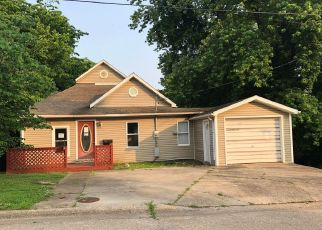 Foreclosed Home in Anna 62906 SOUTH ST - Property ID: 4404194401