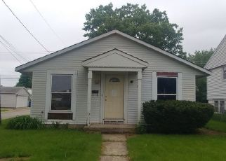 Foreclosed Home in Bradley 60915 N DOUGLAS AVE - Property ID: 4404199212