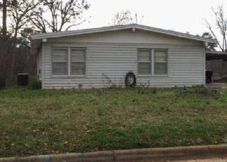 Foreclosed Home in Longview 75601 RAWLEY CT - Property ID: 4404209739