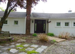 Foreclosed Home in Redding 06896 SPORT HILL RD - Property ID: 4404256601