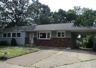 Foreclosed Home in National Park 08063 LAKE AVE - Property ID: 4404448432