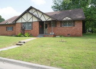 Foreclosed Home in Tulsa 74107 W 45TH ST - Property ID: 4404470322