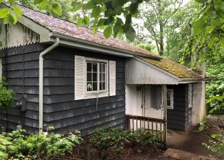Foreclosed Home in New Fairfield 06812 INGLENOOK RD - Property ID: 4404483914