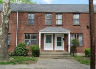 Foreclosed Home in Bridgeport 06610 VIRGINIA AVE - Property ID: 4404487853