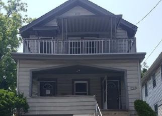 Foreclosed Home in Cincinnati 45206 OAK ST - Property ID: 4404545211