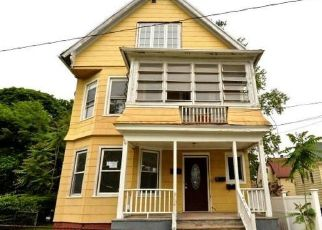 Foreclosed Home in New Haven 06513 DOWNING ST - Property ID: 4404580252
