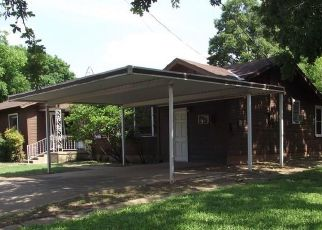Foreclosed Home in Gatesville 76528 OAK DR - Property ID: 4404648138