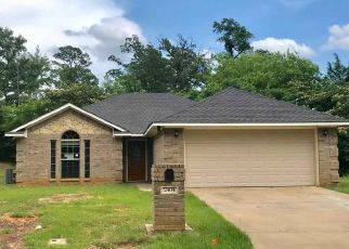 Foreclosed Home in Longview 75605 SMITH DR - Property ID: 4404655142