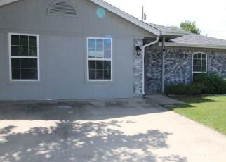 Foreclosed Home in Copperas Cove 76522 WAGONTRAIN CIR - Property ID: 4404667865