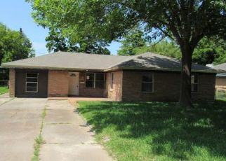 Foreclosed Home in Deer Park 77536 ESTATE DR - Property ID: 4404675295