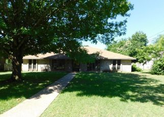 Foreclosed Home in Waco 76707 N 33RD ST - Property ID: 4404678810