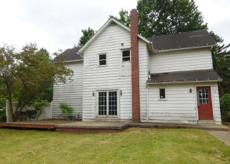 Foreclosed Home in Barberton 44203 WADSWORTH RD - Property ID: 4404685821