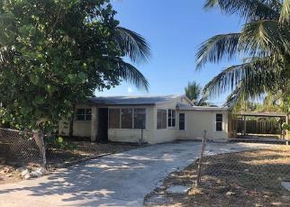 Foreclosed Home in Lake Worth 33462 PEAK RD - Property ID: 4404706395