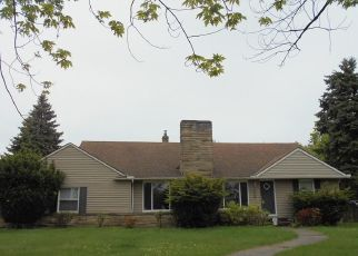 Foreclosed Home in Euclid 44117 CHARDON RD - Property ID: 4404722606