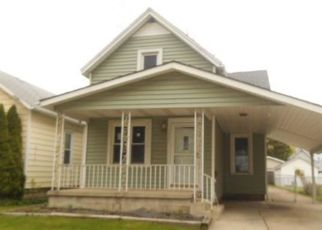 Foreclosed Home in Toledo 43605 DELENCE ST - Property ID: 4404731806