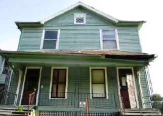 Foreclosed Home in Zanesville 43701 VINE ST - Property ID: 4404733999