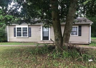 Foreclosed Home in Winston Salem 27101 REIDSVILLE RD - Property ID: 4404751958