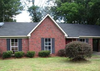 Foreclosed Home in Jackson 39209 YORK DR - Property ID: 4404784802