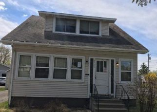 Foreclosed Home in Duluth 55810 VINLAND ST - Property ID: 4404796623
