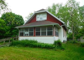 Foreclosed Home in Lansing 48906 RUSSELL ST - Property ID: 4404821136
