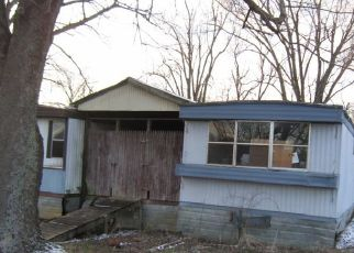 Foreclosed Home in Elizabethtown 42701 GAITHER STATION RD - Property ID: 4404869318
