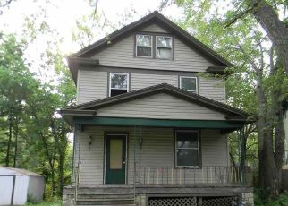Foreclosed Home in Topeka 66604 SW BOSWELL AVE - Property ID: 4404892983